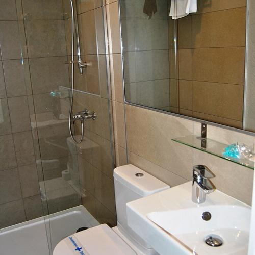 Baño Habitación Doble Superior San Lorenzo Hostal